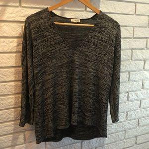 Wilfred 3/4 Sleeve V-Neck Shirt sz S